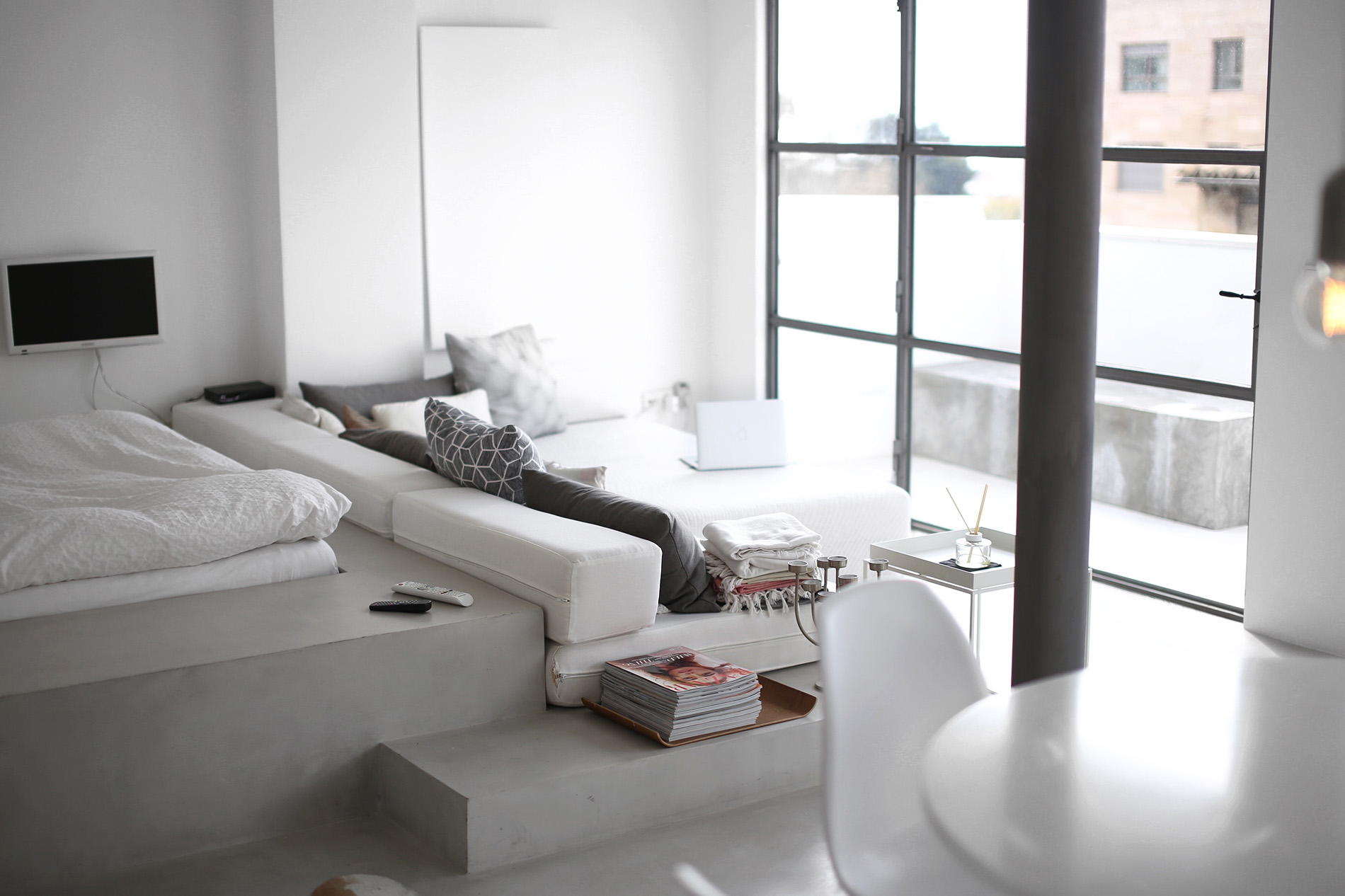 Apartment-white-cube