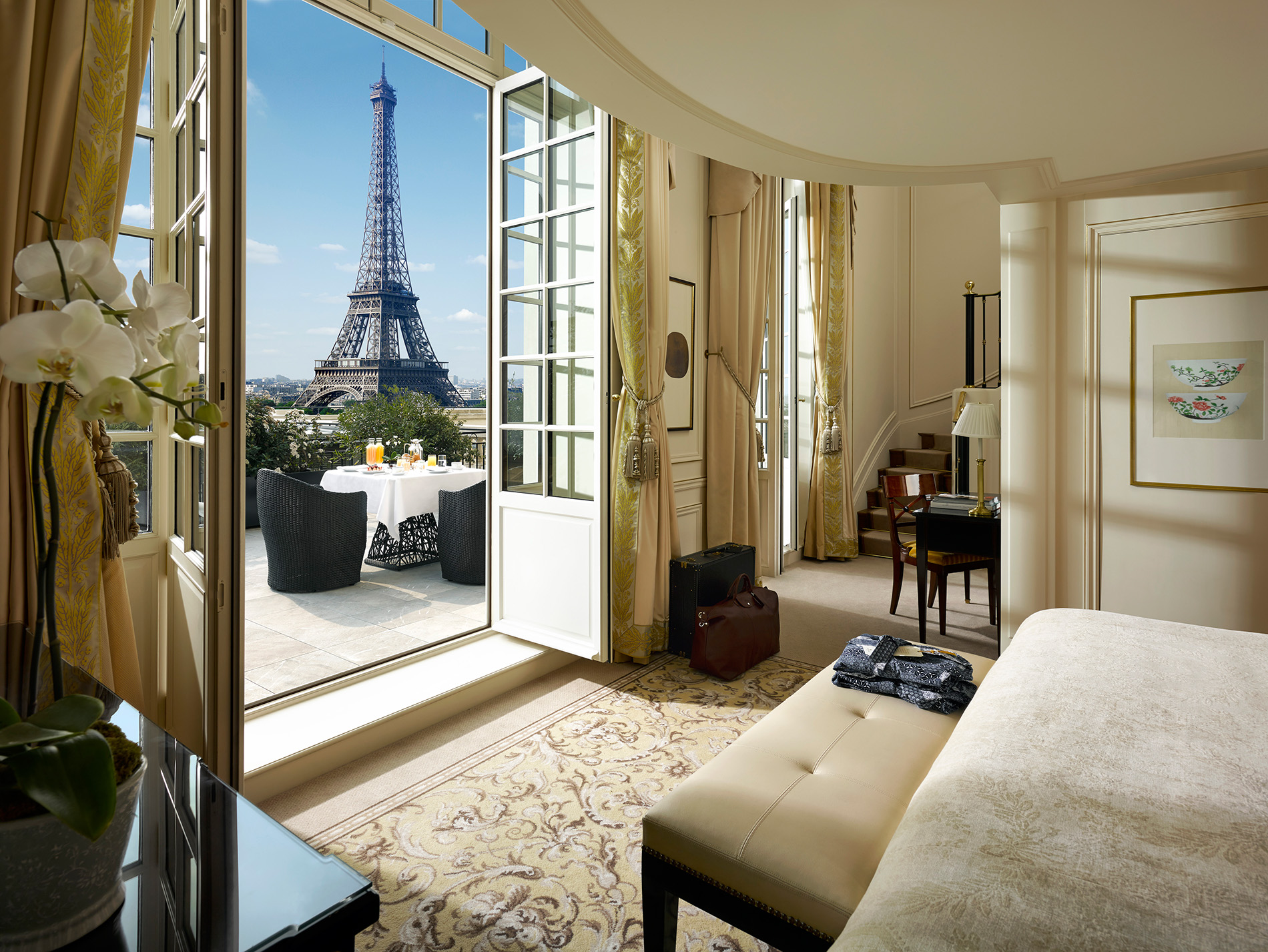 Duplex terrace Eiffel tower view Suite