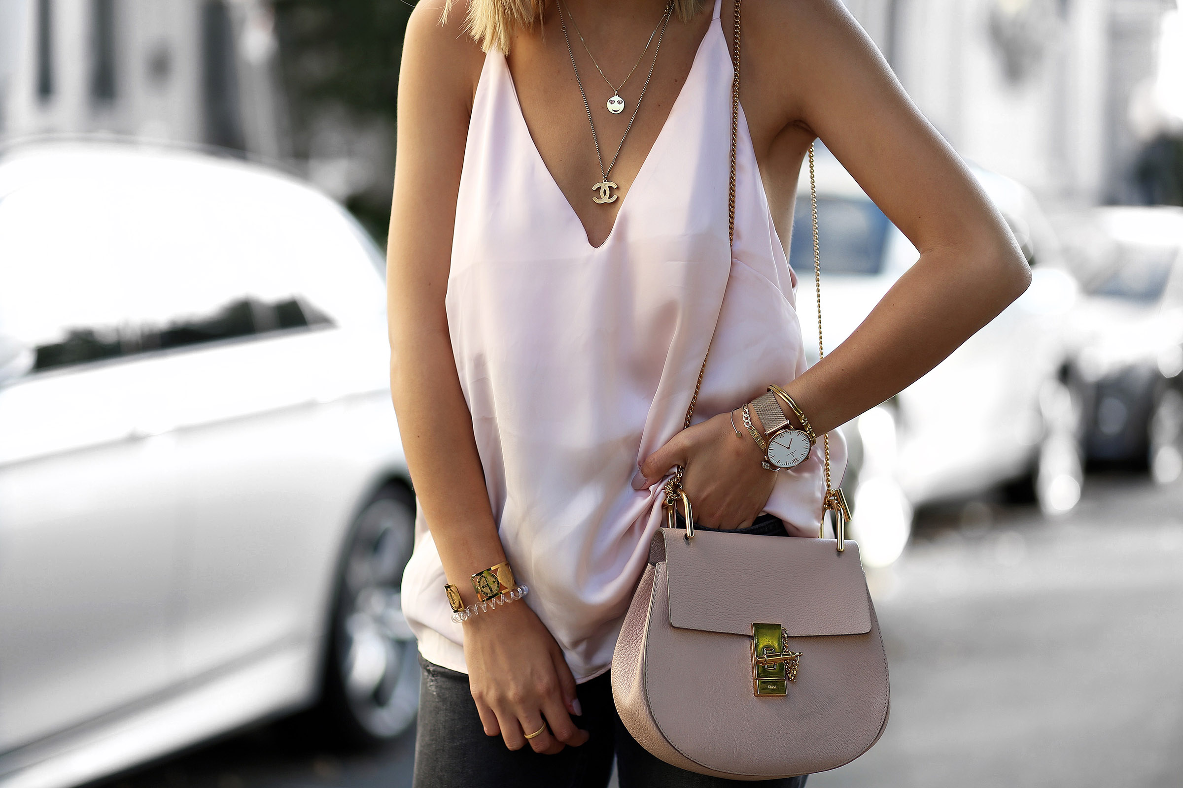 chloé-drew-bag-chanel-necklace