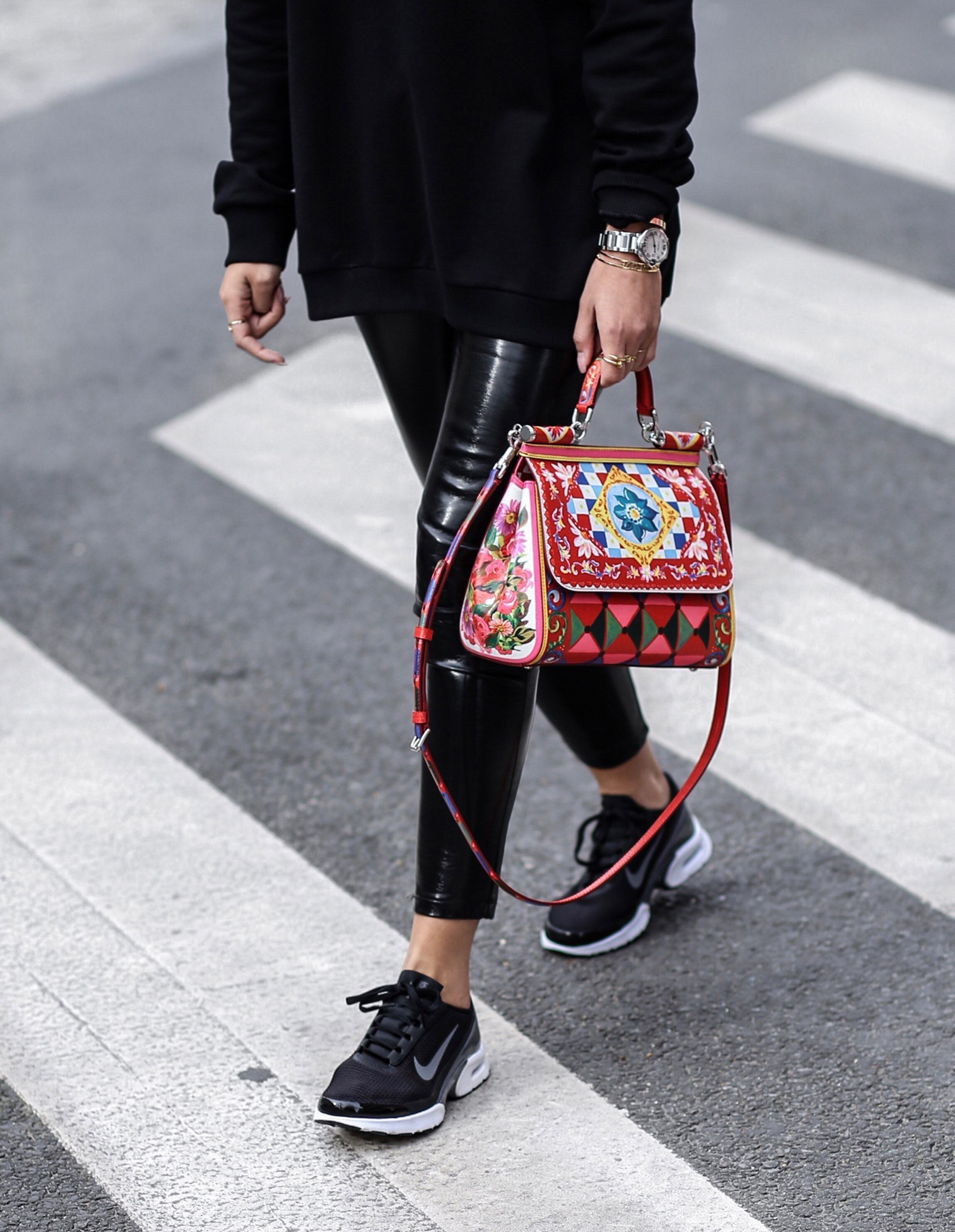 dolce_&_gabbana_bag_red