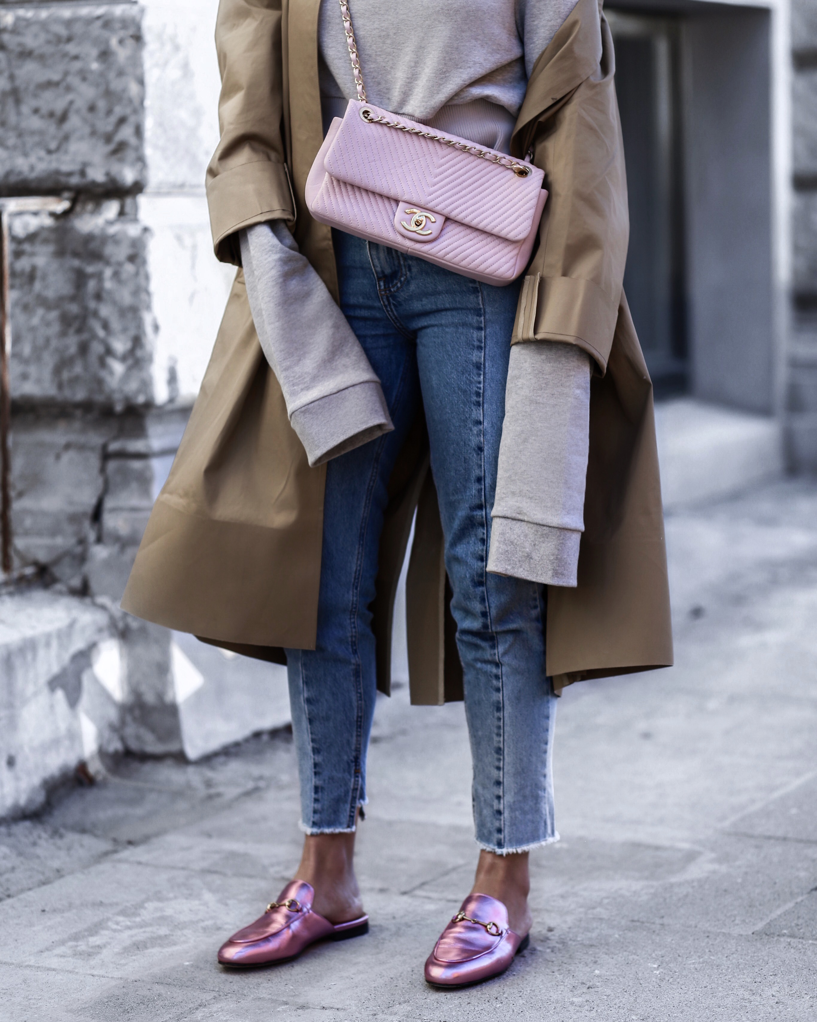 vetements_coat_chanel_bag_pink