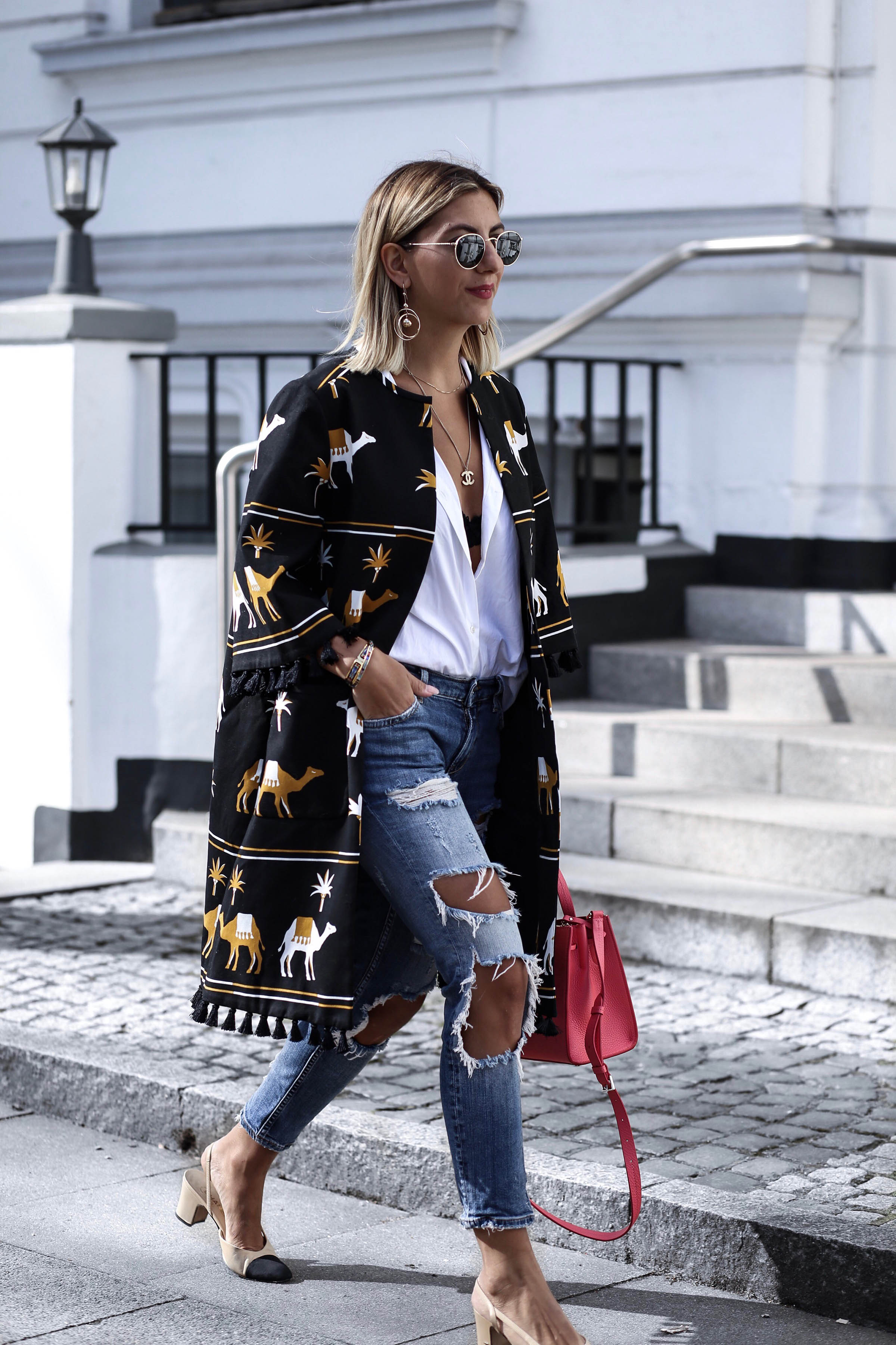 ripped_jeans_chanel_slingback_pumps