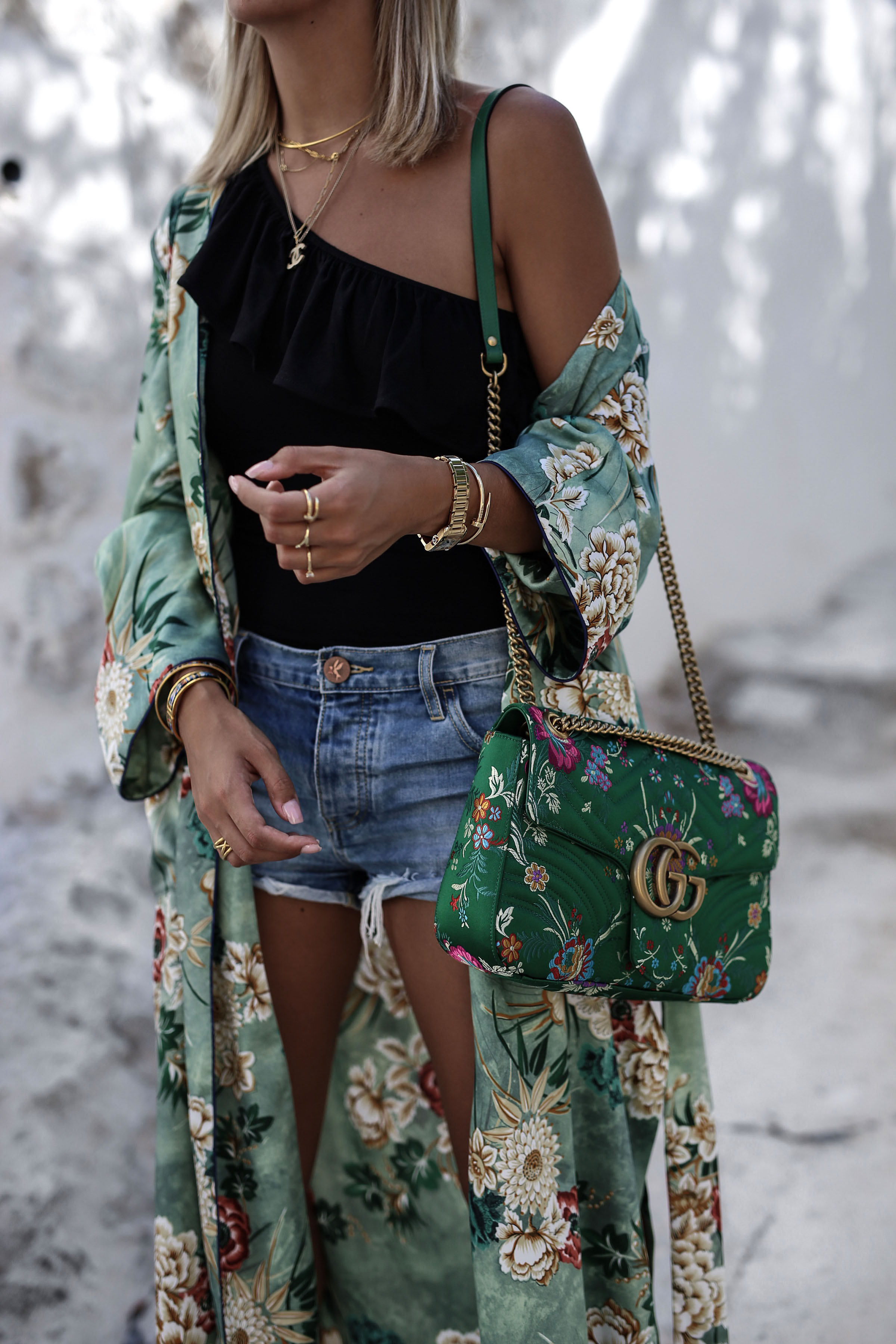 878dbcd1088 gucci marmont bag net-a-porter one teaspoon shorts  Ibiza altstadt gucci marmont bag Chanel necklace aylin koenig kette  Givenchy slides shoes ...